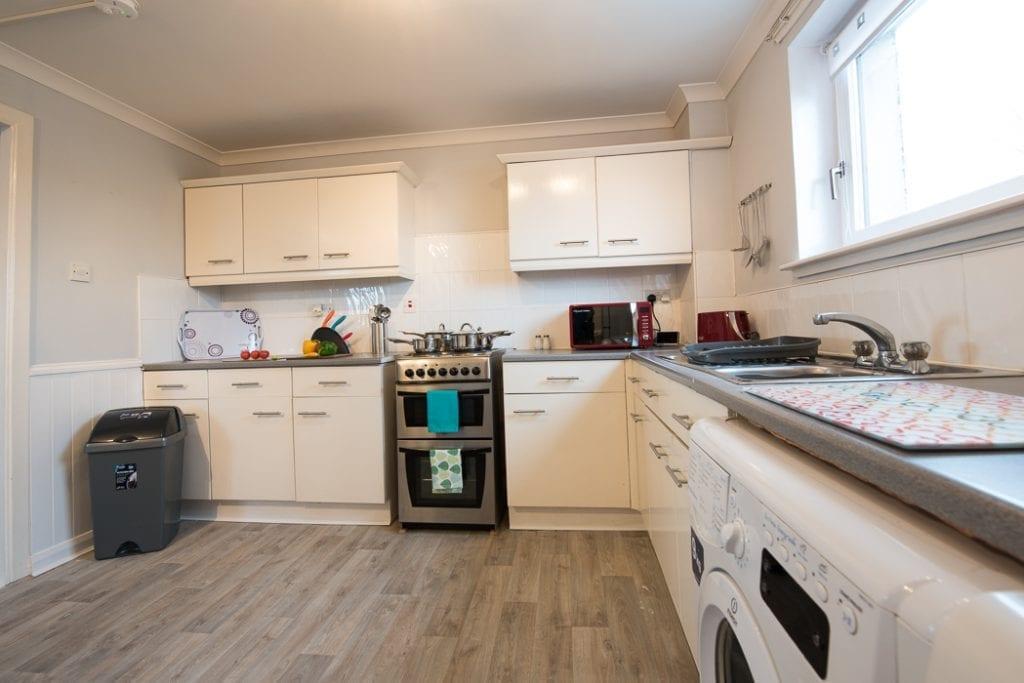 Serviced Accommodation in Glasgow Kitchen